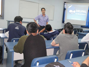 Conferencia Drupal en la Universidad de Cochabamba - Bolivia
